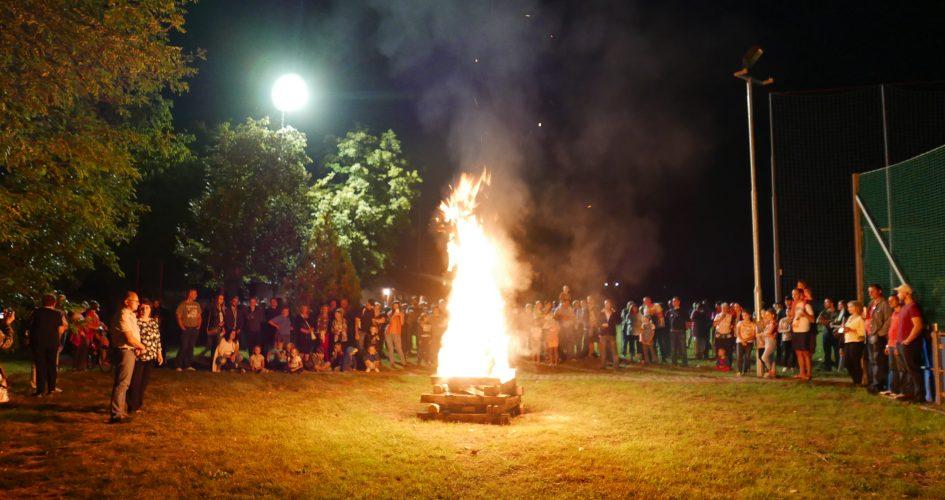 V Abraháme sa rozhorela Vatra Ústavy 2018